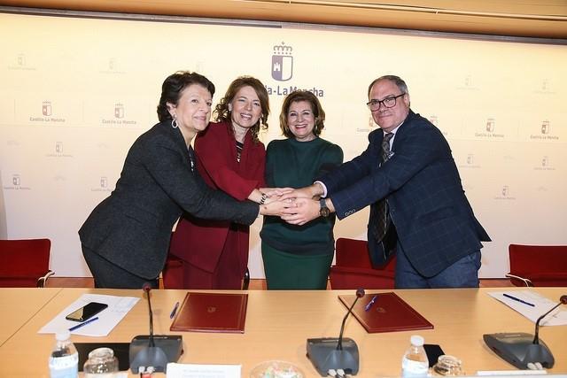 La Junta y RTVCM firman un convenio para consolidar una televisión autonómica accesible