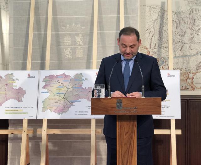 Fomento invertirá 2.820 millones en el Corredor Atlántico este año