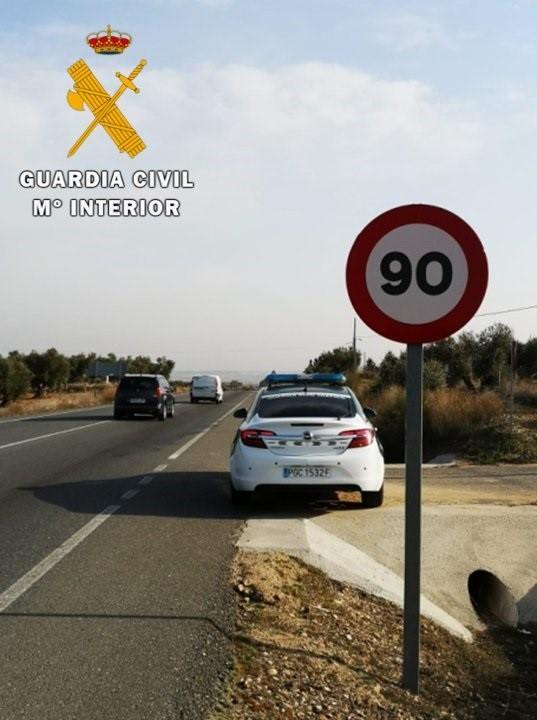 La Guardia Civil investiga a una persona por circular a 187 km/h