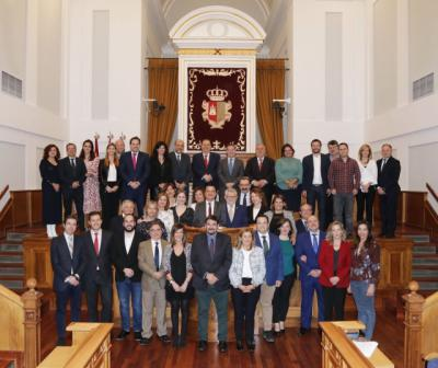Despedidas y agradecimientos en el último pleno de la legislatura en las Cortes