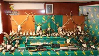 Detenidos por fabricar y manipular armas en un taller ilegal en Talavera