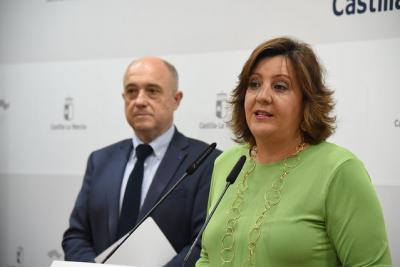 PARO   La Junta destaca que es la tercera mayor bajada de la serie histórica en CLM
