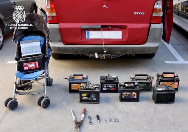 Detenido por robar las baterías de 13 vehículos en la misma noche