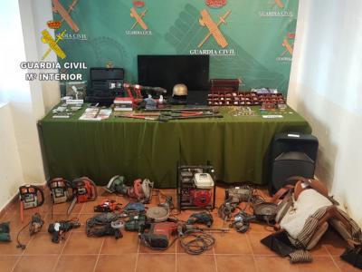 Catorce detenidos y dos investigados por 60 robos en iglesias y ayuntamientos de distintas provincias