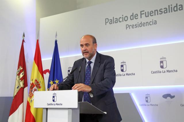 El vicepresidente primero del Gobierno de Castilla-La Mancha en funciones, José Luis Martínez Guijarro