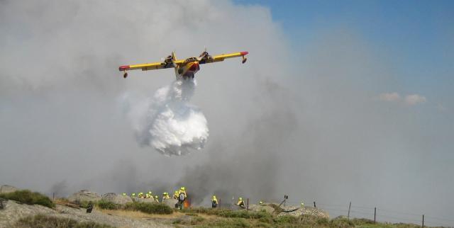 Evacuadas unas 40 personas por el incendio de Almorox