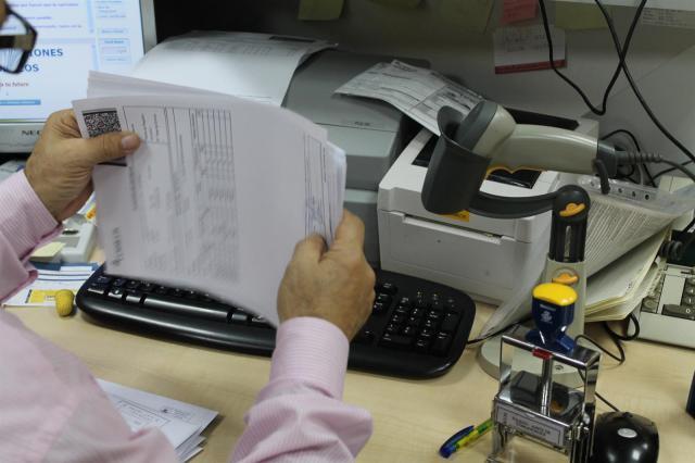 Los empleados públicos de la Junta cobrarán un 0,25% más en la nómina de julio