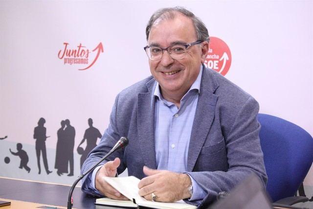 El PSOE responde al polémica de los docentes