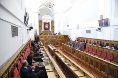 Las Cortes modifican su reglamento para regular la dedicación exclusiva de los diputados