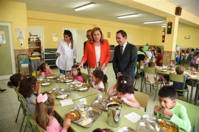 CLM concederá más de 85.000 ayudas para comedor y libros de texto