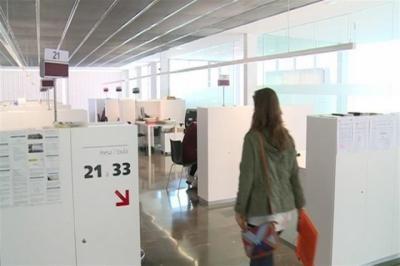 Solo 12 mujeres abandonaron la lista del paro en septiembre en Castilla-La Mancha
