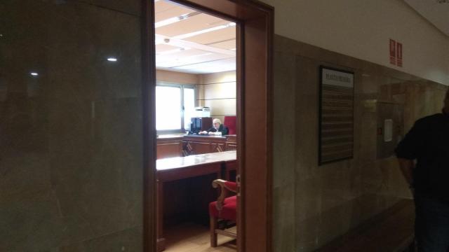 El acusado de abusar de una menor con discapacidad reconoce parte los hechos pero niega la penetración