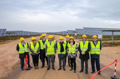 Inaugurado en Alcázar el complejo solar más importante de España