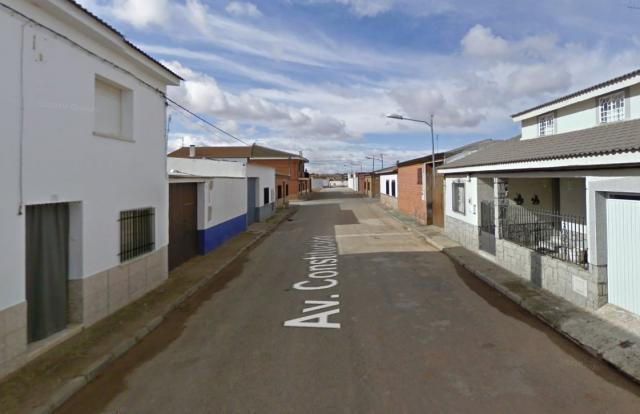 Afectado por inhalación de humo un hombre de 54 años tras el incendio en un chalé de Villanueva de Alcardete