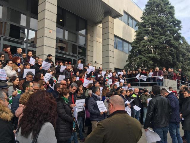 """Cientos de empleados de la Junta salen a la calle en CLM contra """"las prebendas para los altos cargos"""""""