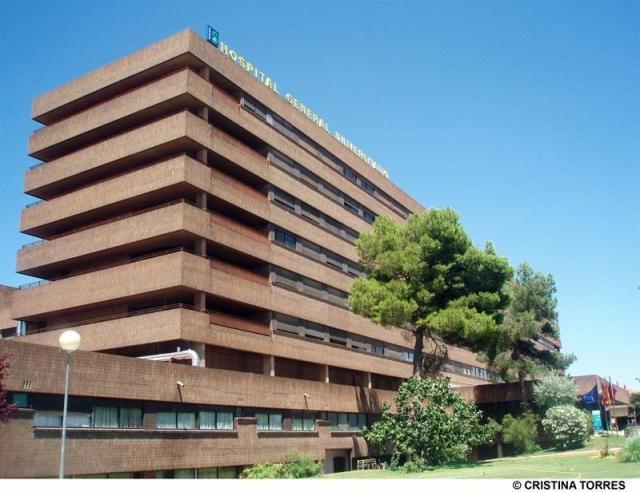 Evacuados al hospital de Albacete dos de los tres afectados por el incendio de una vivienda en Pozo Cañada