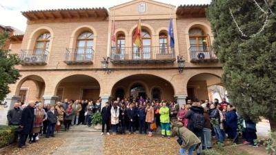 Puebla de Almoradiel se concentra por su vecina asesinada: