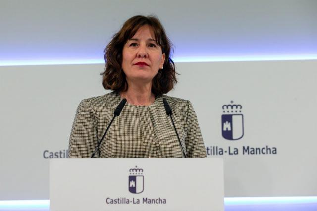 CLM recuerda a Montero que ella misma reclamó el IVA que ahora niega