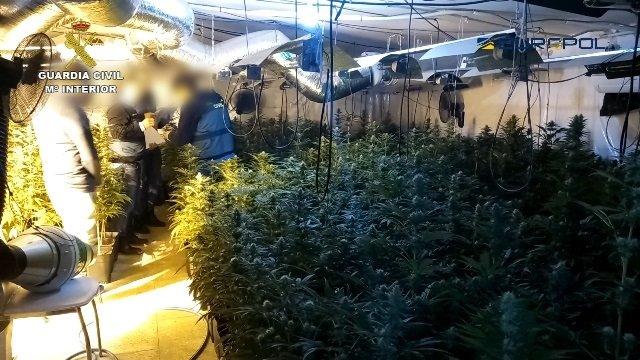 La Guardia Civil y la Europol desarticulan una organización internacional dedicada al narcotráfico