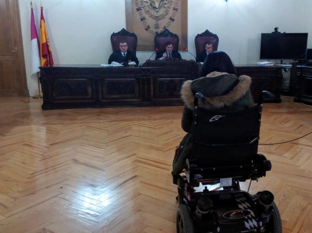 Juicio acusada de vender droga en Parapléjicos. - EUROPA PRESS