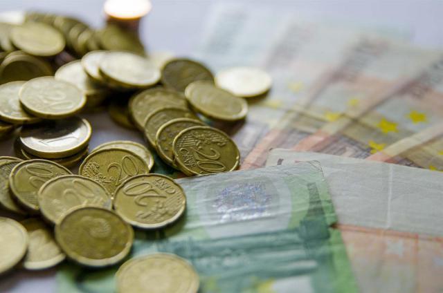 Los empleados públicos de CLM verán aumentada su nómina desde este jueves