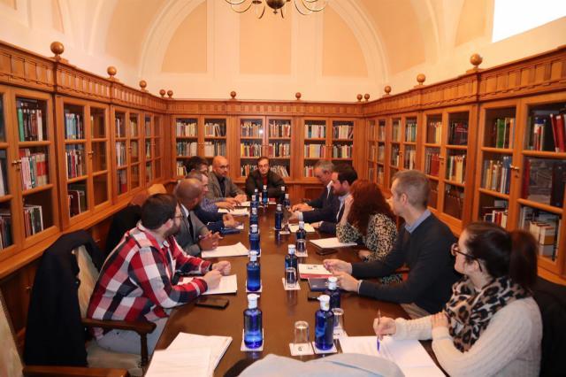 Reunión mantenida entre miembros de EAPN con representantes de PP y PSOE en las Cortes de Castilla-La Mancha - EAPN