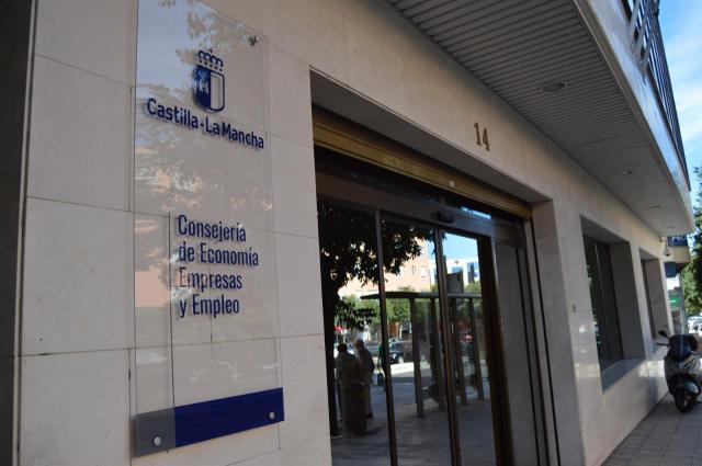 ACTUALIDAD | CLM abonará más de un millón de euros en becas de la FP para el Empleo
