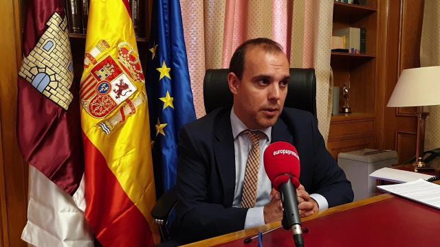El presidente de las Cortes, Pablo Bellido, en entrevista con Europa Press