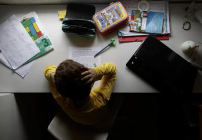 EDUCACIÓN | CSIF dice que profesores de CLM reciben