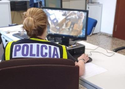 Agente de Policía Nacional. Imagen de archivo. - POLICÍA