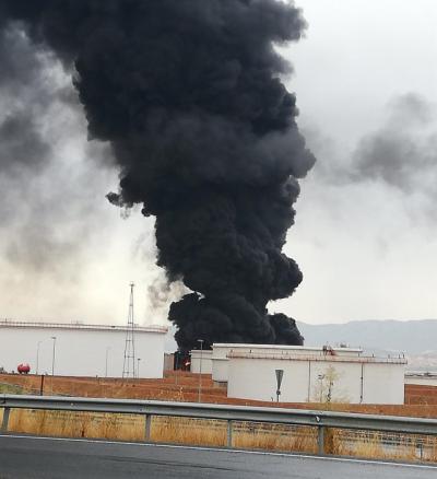 INCENDIO PUERTOLLANO | Recomiendan cerrar ventanas por el humo