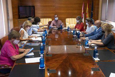 COVID-19 | La consejera de Educación comparecerá en las Cortes para informar sobre la vuelta al cole
