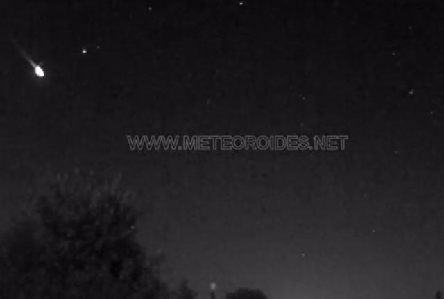 FOTO   La Puebla de Almoradiel (Toledo) registra una roca procedente de un cometa que genera una gran bola de fuego en el centro del país