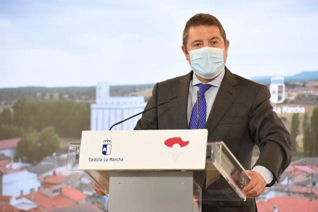 El presidente de CLM, Emiliano García-Page, en Chillarón - JCCM