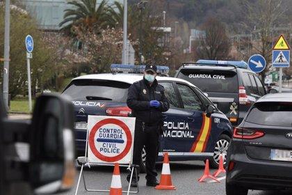 Efectivos de la Guardia Civil y la UIP de la Policía Nacional realizan controles ÷  JAVI COLMENERO - EUROPA PRESS - ARCHIVO