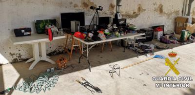 CARDIEL DE LOS MONTES   Una persona detenida y otra investigada por robos en viviendas
