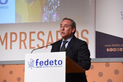FEDETO | Ángel Nicolás, condecorado por el Ministerio de Defensa