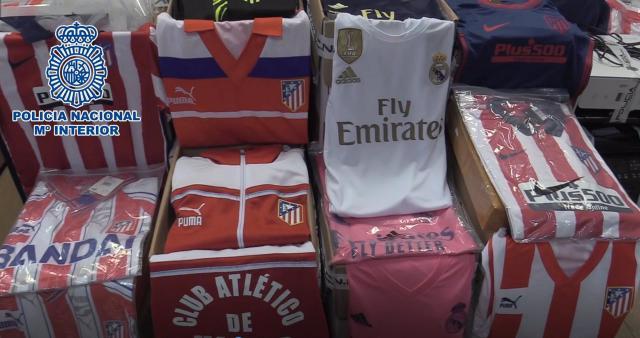 TOLEDO | Detenidos por falsificar camisetas de equipos de fútbol: más de 1.000 prendas requisadas
