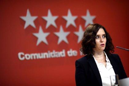 MADRID   Ayuso estudia priorizar la vacunación Covid a los camareros