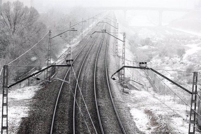 TREN | La nieve también provoca la suspensión y retrasos de trayectos