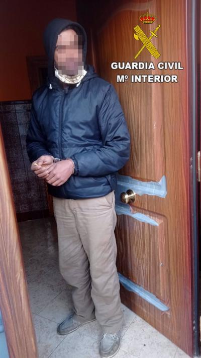 EN UN PUEBLO DE TOLEDO | Dos detenidos por robar a un taxista e intentarlo en una casa