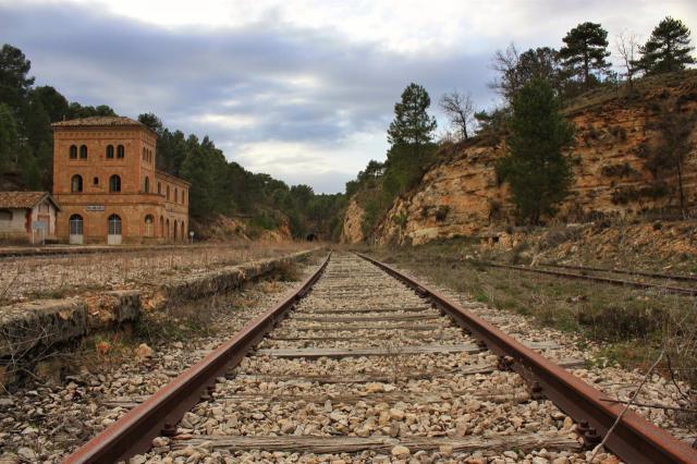 Vías del tren a su paso por la provincia de Cuenca - MXC - Archivo