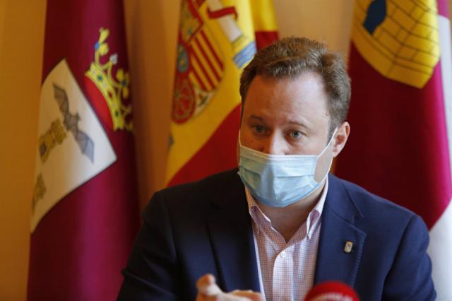 CASAÑ | El alcalde de Albacete da explicaciones sobre su presunta contratación irregular