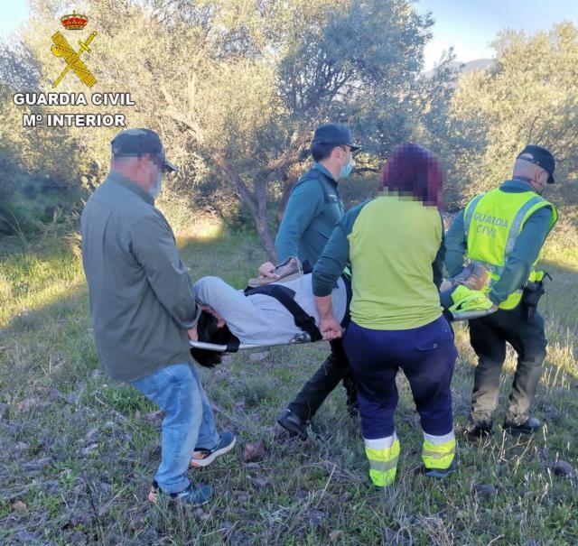 LA ESTRELLA | Rescatan a una senderista tras sufrir un accidente