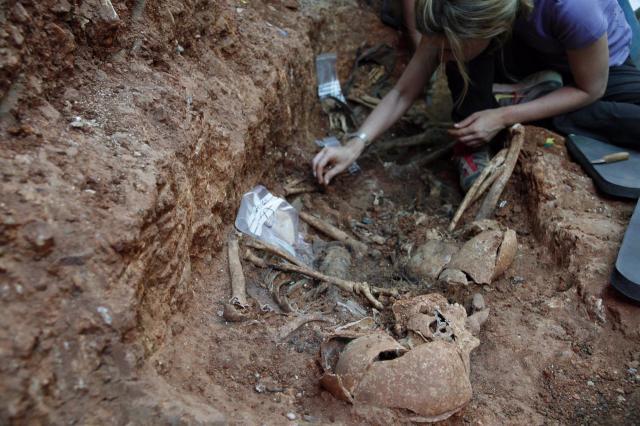 Excavación en Abénojar. Imagen de archivo. - ARMH/EUROPA PRESS