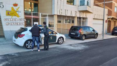 Dos detenidos cuando ofrecían droga a un menor en plena calle