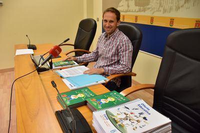 El Ayuntamiento presenta 190 propuestas para complementar la formación didáctica de los centros