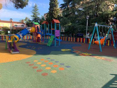 El Gobierno de Talavera renueva el parque infantil de El Potrero