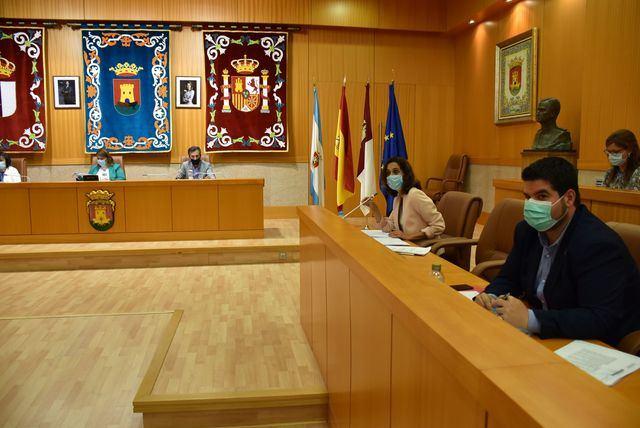 """PLENO MUNICIPAL   Flora Bellón: """"el señor Serrano (PP) hace el trabajo a sus jefes de Madrid"""""""