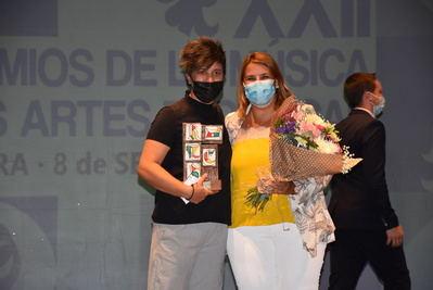 Valeria Cassina recibe un Premio Solidario gracias a su labor durante la pandemia